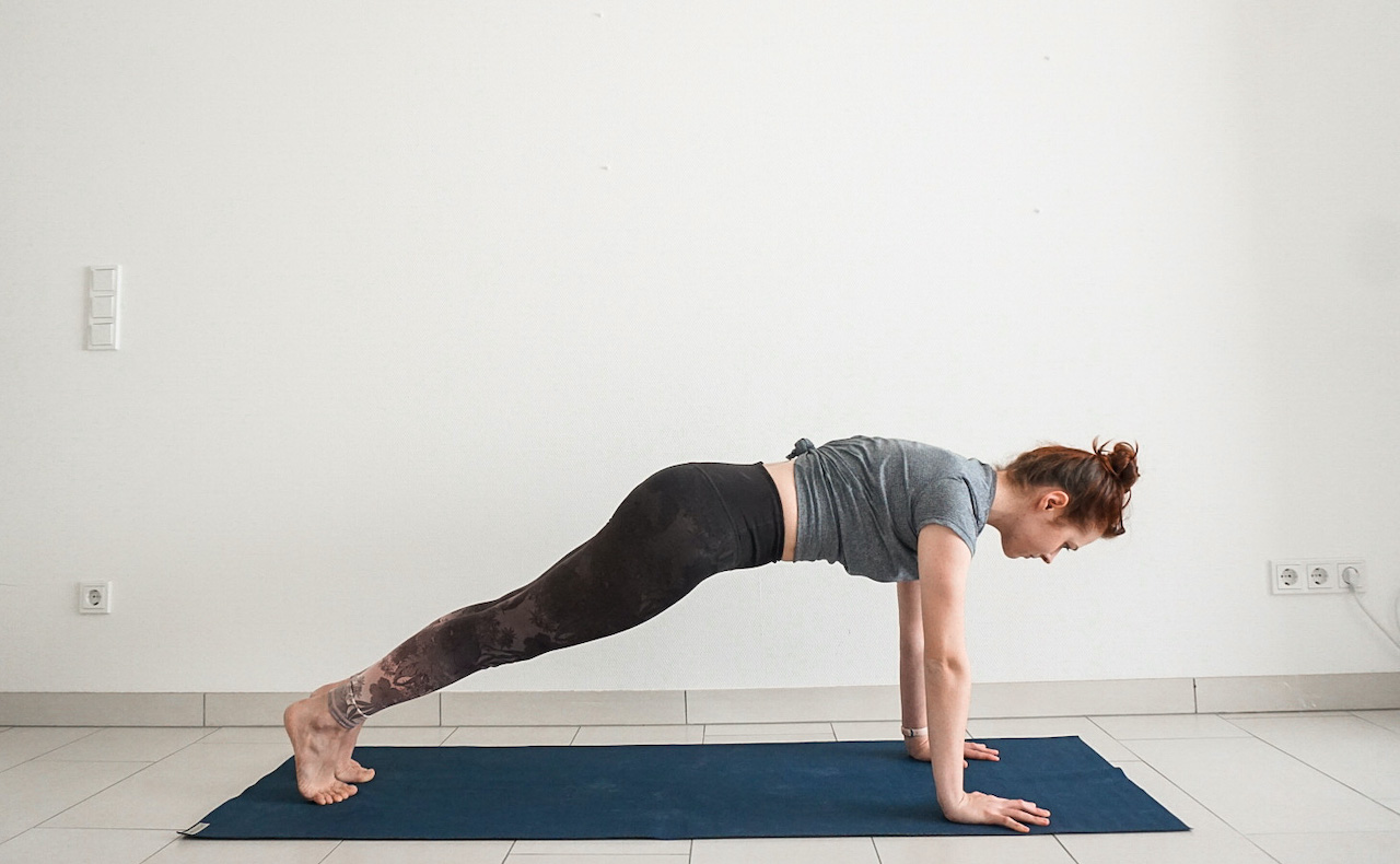 yoga poses for beginners - plank