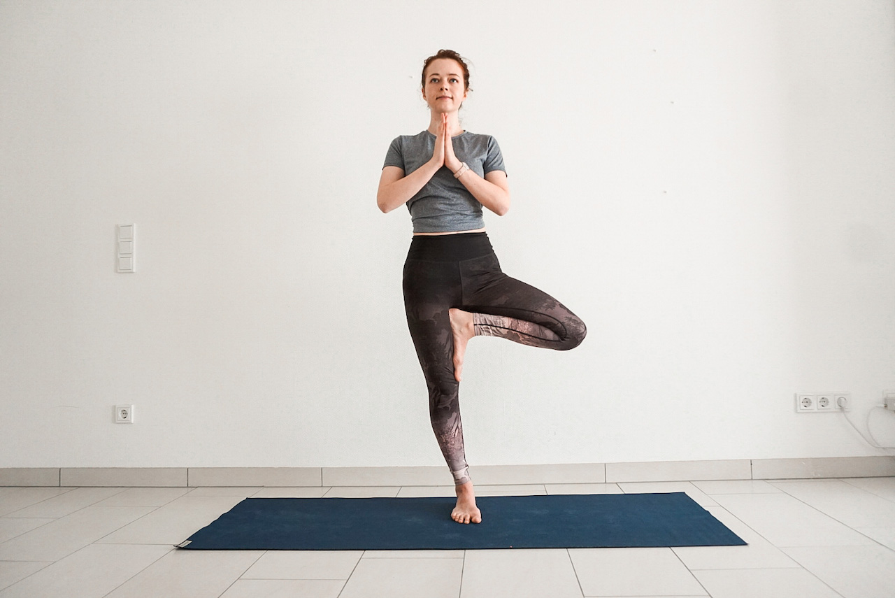 yoga poses for beginners - tree pose