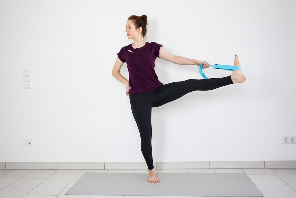 standing hand to toe pose for beginners