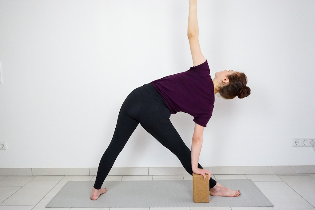 triangle pose for beginners with yoga block