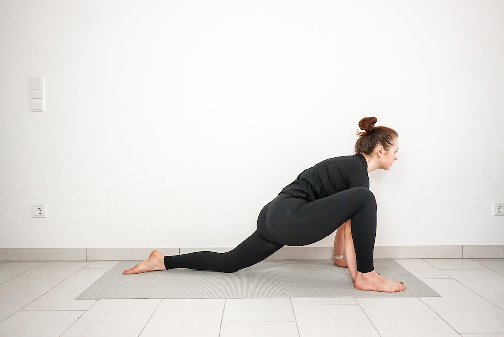 lizard pose for beginners yoga poses for tight hips