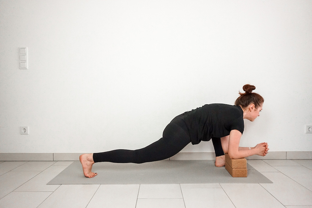 lizard pose with yoga blocks for beginners