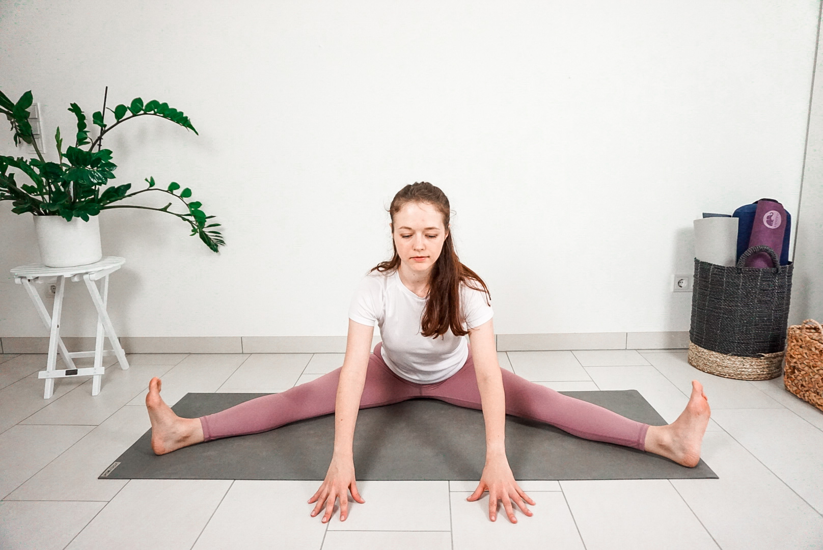 15 minute full body yoga stretch video and free printable pdf